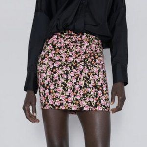 Zara Floral Ruched Mini Skirt Size Large